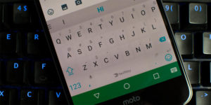 Cómo cambiar el teclado de un Motorola